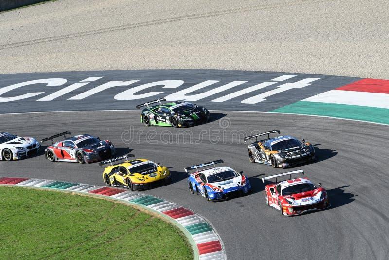 Цепь Mugello, Италия - 7-ое октября 2017: Начните круг гонки #1 окончательный c I Gran Turismo супер GT3-GT3 стоковое фото rf