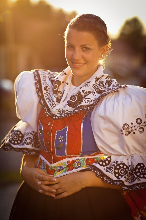 церемониальная украшенная женщина людей платья богато стоковые изображения rf