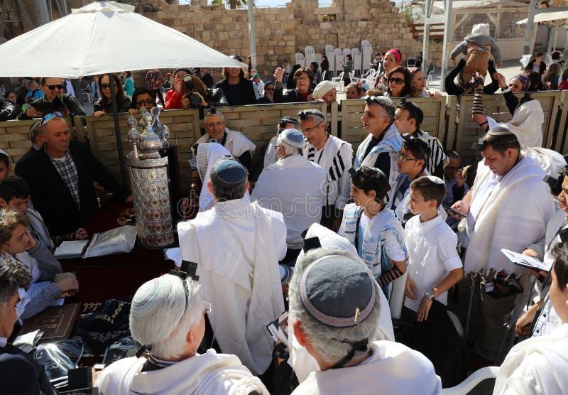 Церемония бар-мицва на западной стене в Иерусалиме стоковые фотографии rf