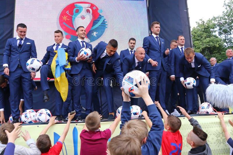 Церемония отклонения национальной футбольной команды Ukrai стоковая фотография rf