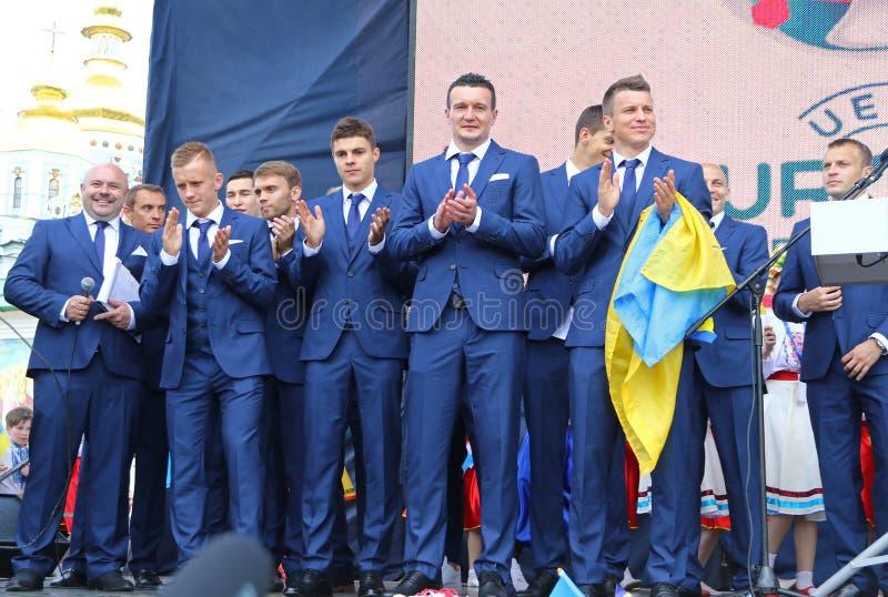 Церемония отклонения национальной футбольной команды Ukrai стоковые изображения