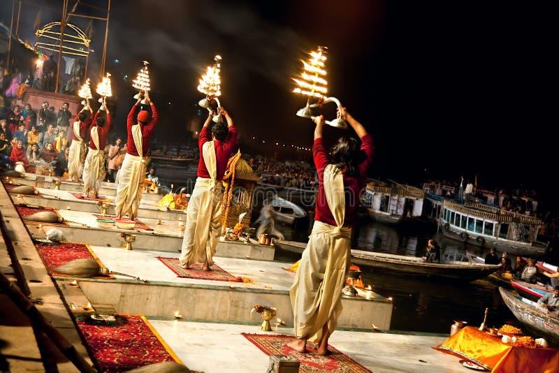 Церемония Ganga Seva Nidhi в Varanasi стоковое изображение