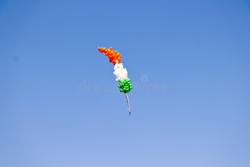 Церемония Tricolor летания воздушного шара opning на 29-ом международном фестивале 2018 змея - Индия стоковые изображения