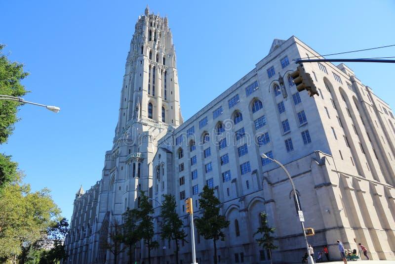 Церковь берега реки в Нью-Йорке стоковое изображение