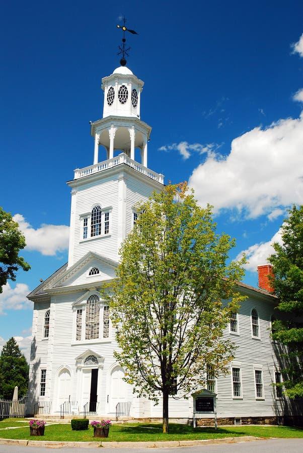 Церковь весной стоковое изображение