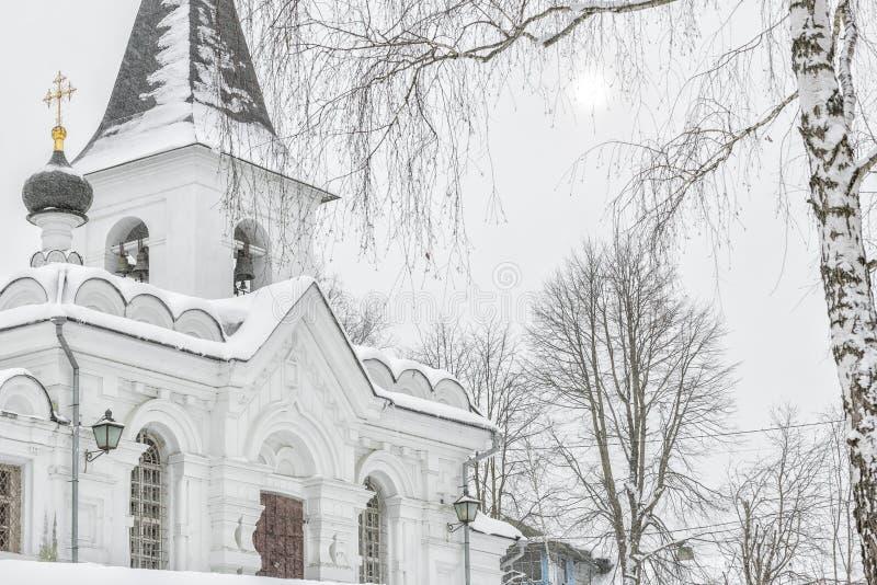 Церковь воскресения Христос в снежности на зимний день стоковые фото