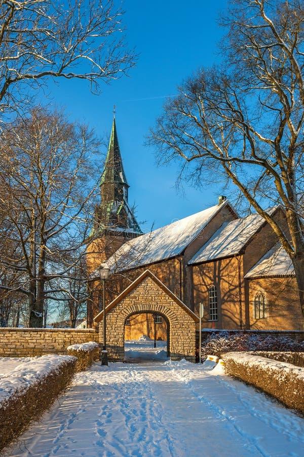 Церковь в зиме стоковые изображения rf