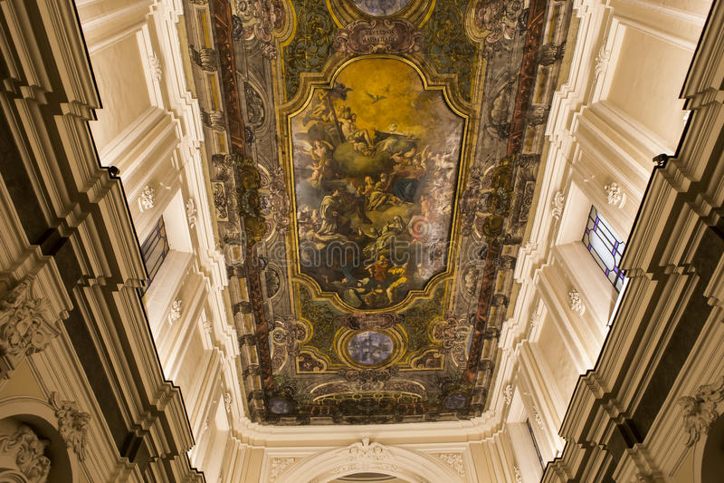 Download Церковь в кампании Сорренто, Италия Madonna Del Кармина Стоковое Изображение - изображение насчитывающей барометрического, frescoes: 41655239