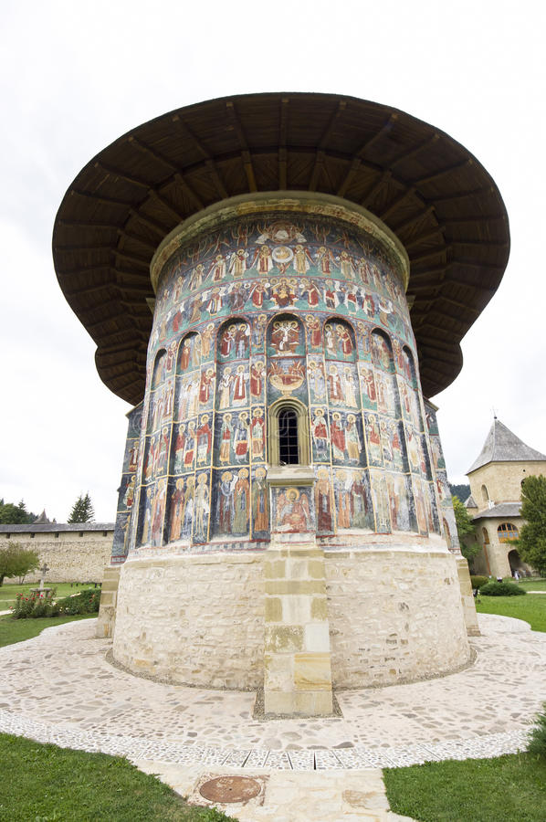 Download Церковь в Румынии стоковое фото. изображение насчитывающей покрашено - 33738996