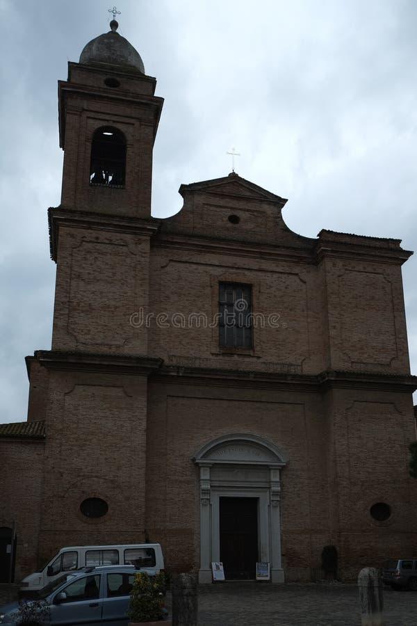 Церковь в Verucchio, Италии стоковые изображения rf