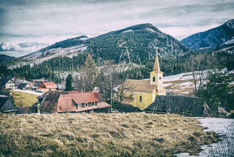 Церковь в Zdiar около Belianske Tatry, сетноого-аналогов фильтра стоковые фото