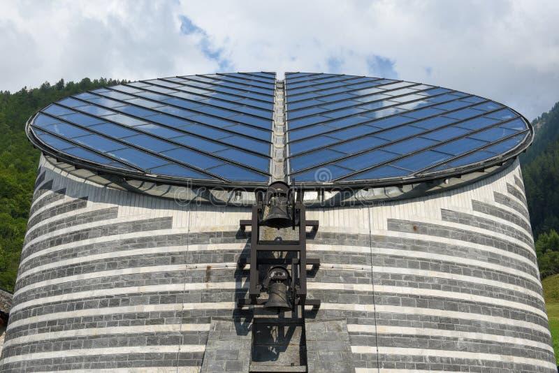 Церковь известного архитектора Марио Botta на Mogno, Швейцарии стоковая фотография
