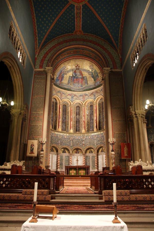 Церковь изменяет и сильно украшенный chancel апсиды Wilton стоковое изображение rf
