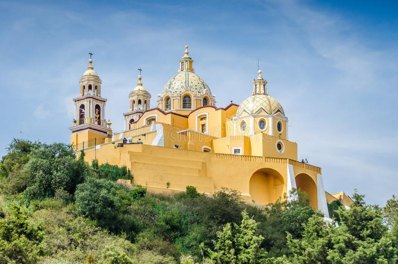 Церковь исторического города San Pedro Cholula стоковые изображения