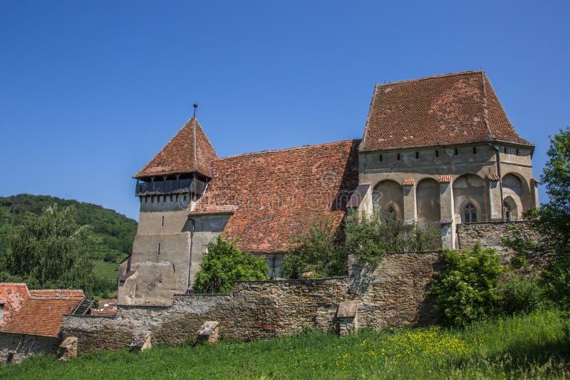 Download Церковь-крепость в румынском городке конематки Copsa Стоковое Фото - изображение насчитывающей цветы, укреплено: 41662484