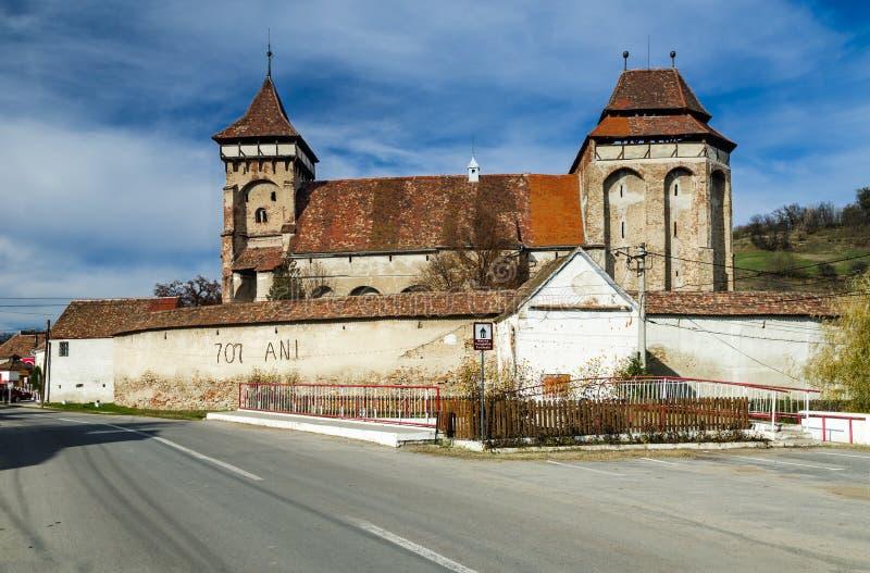Церковь-крепость Valea Viilor, ориентир ориентира Трансильвании в римском стоковое фото rf
