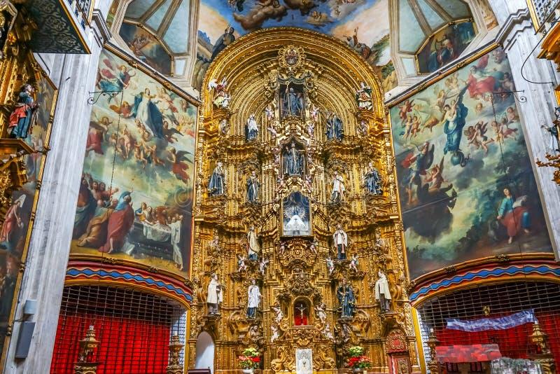 Церковь Мехико Мексика Ensenaza Ла алтара базилики стоковые изображения