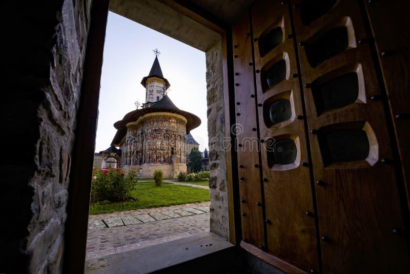 Церковь монастыря Sucevita правоверная покрашенная стоковое изображение rf