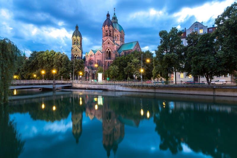 Церковь Мюнхен пинка St Lukas стоковая фотография rf