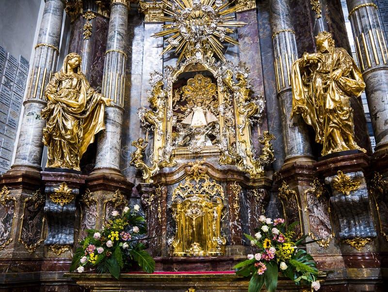 """Церковь нашей дамы Победоносн также сослалась как святыня младенца Иисуса Праги, в Mala Strana, """"меньший квартал """" стоковое изображение rf"""