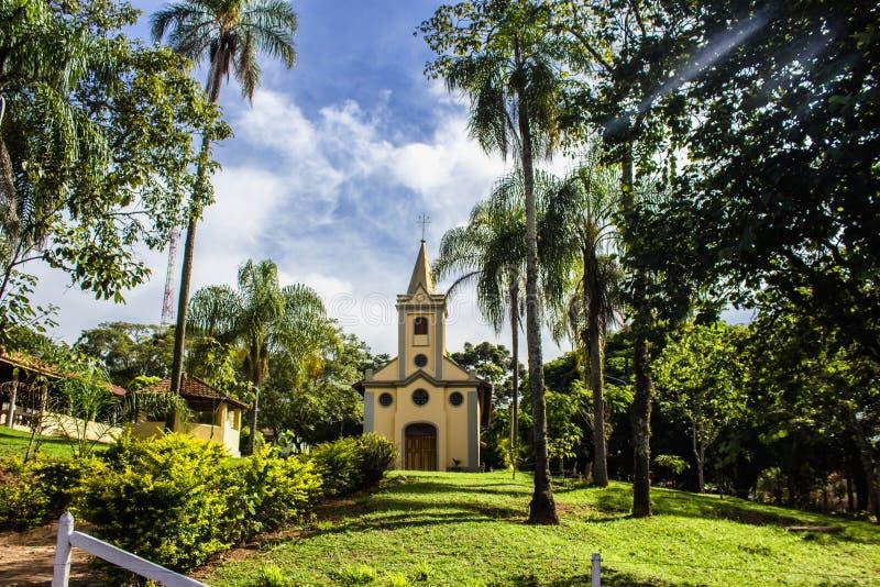 Церковь на заднем плане стоковые изображения rf