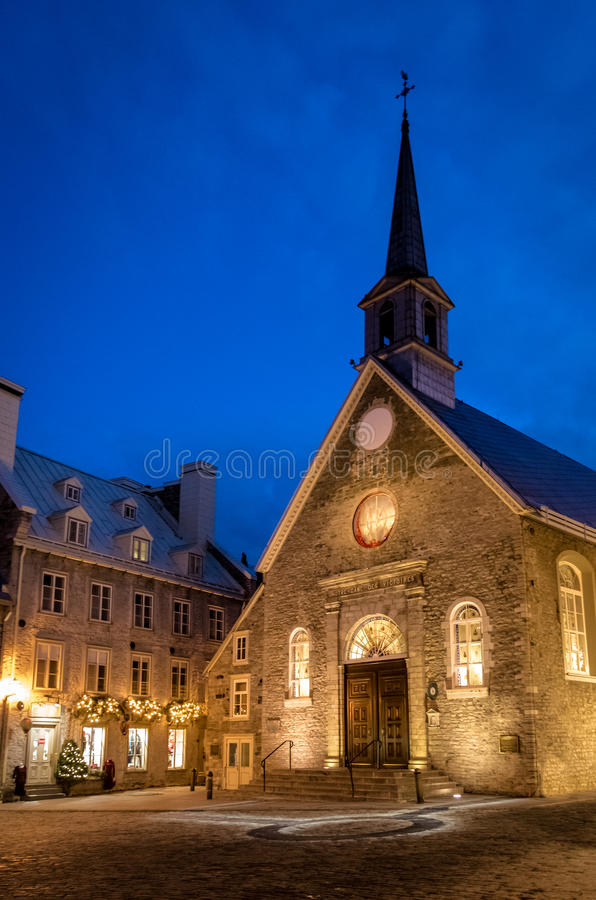 Церковь на ноче - Квебек (город) побед des Нотр-Дам, Квебек, Канада стоковая фотография rf