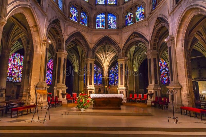 Церковь Париж Франция Severin Святого цветного стекла интерьера алтара стоковая фотография rf