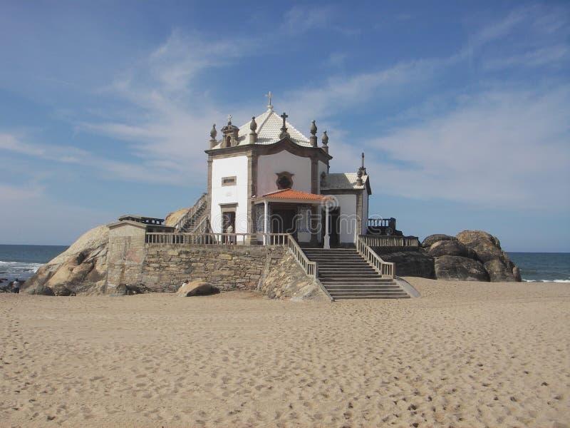 церковь пляжа стоковая фотография rf