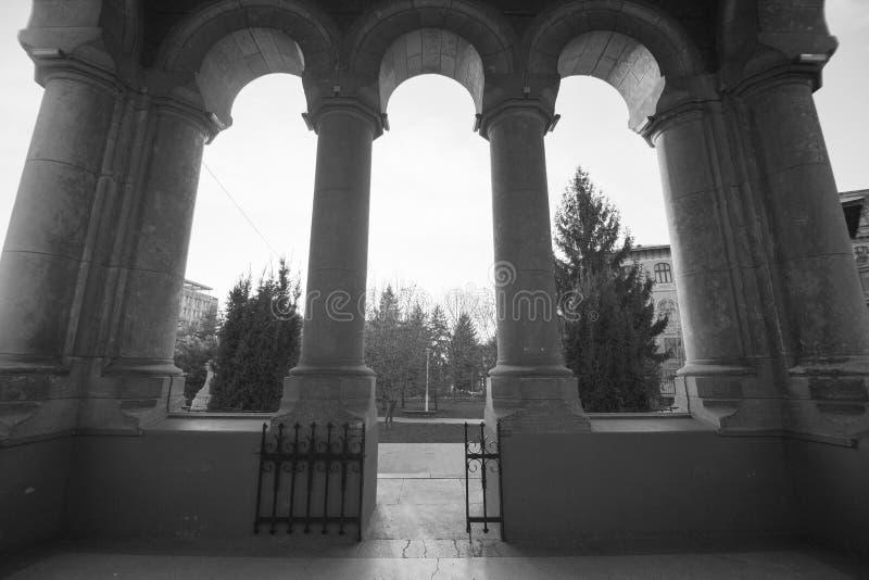 Церковь православных святых Троицы в Краеовой Румынии стоковые фотографии rf