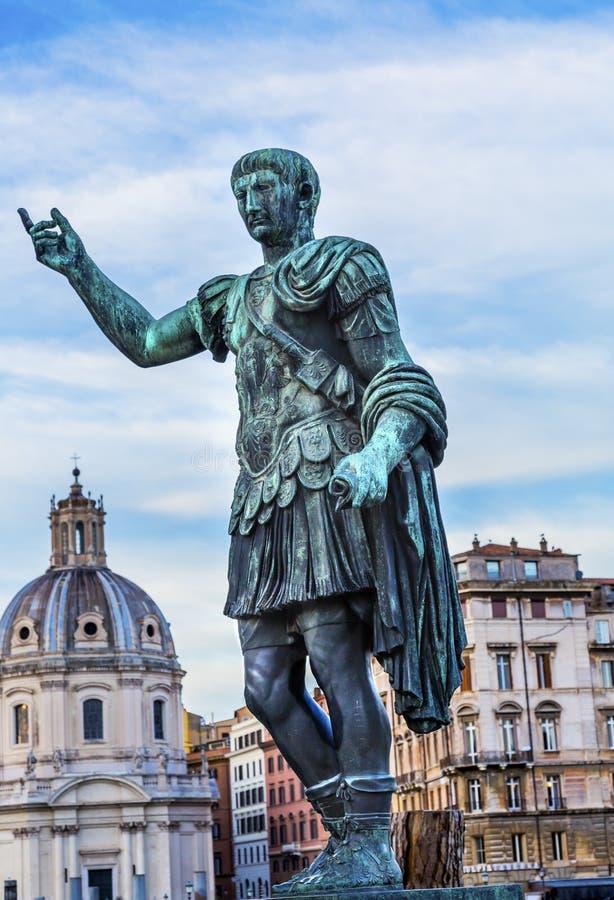 Церковь Рим Италия статуи Augustus цезаря стоковые фото