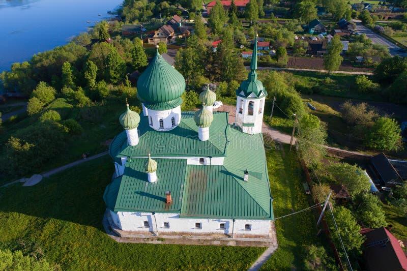 Церковь рождества авиационной съемки Иоанна Крестителя Staraya Ladoga, Россия стоковые фотографии rf