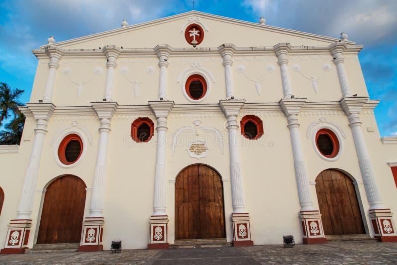 Церковь Сан-Франциско в Гранаде, Никарагуа стоковые изображения