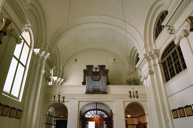 Церковь святого креста в городке Праги новом расположена на› pÅ™ÃkopÄ Na улицы, Праге, чехии стоковые изображения rf