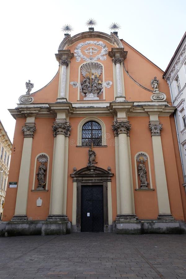 Церковь святой троицы Dreifaltigkeitskirche в Граце стоковые фотографии rf