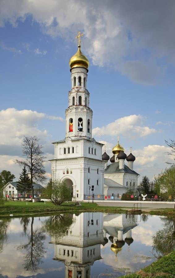 Церковь троицы в Zavidovo Область Россия Tver стоковые фото