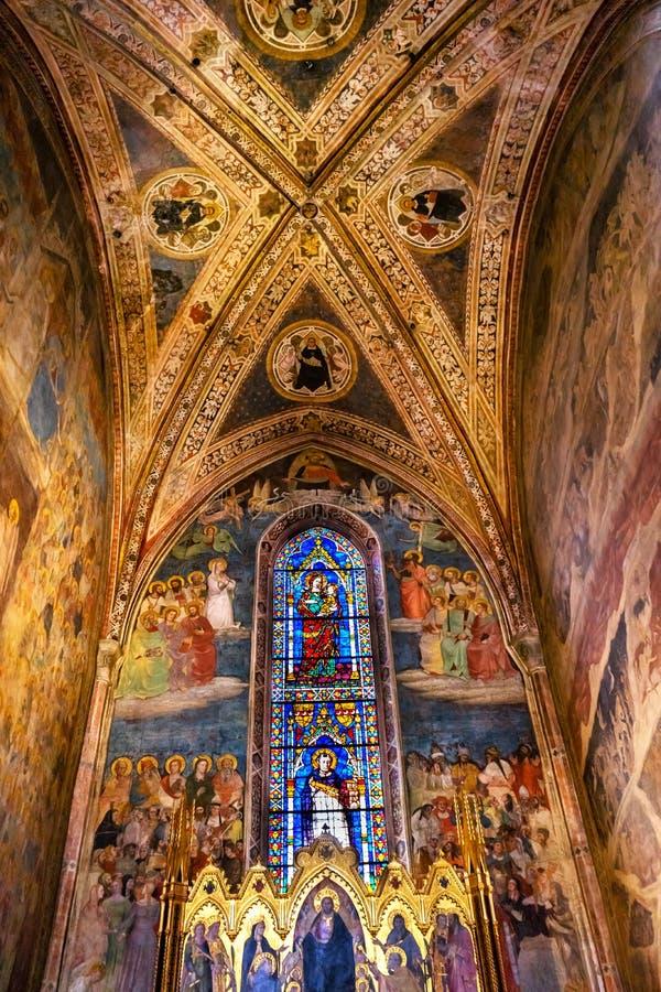 Церковь Флоренс Италия повести Santa Maria часовни Strozzi спасителя Altarpiece стоковые фотографии rf