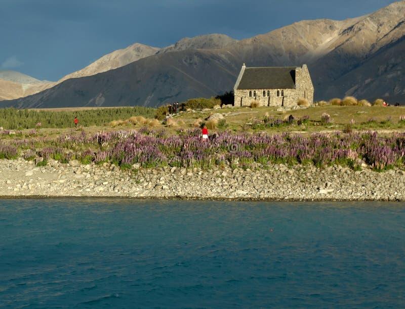 Церковь хороших чабана и озера Tekapo, южного острова, Новой Зеландии стоковое изображение rf
