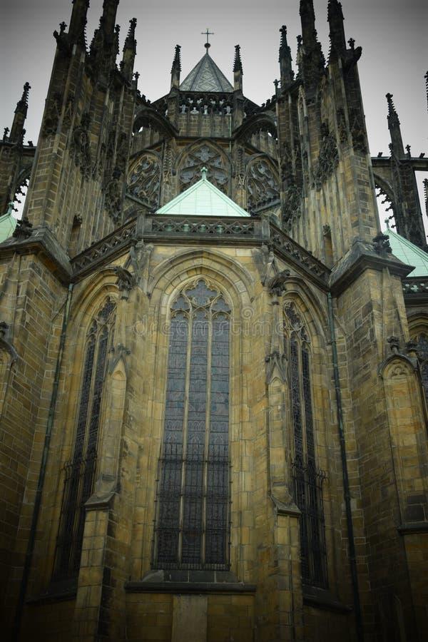 Церковь чехии Праги смотря массивнейший стоковая фотография