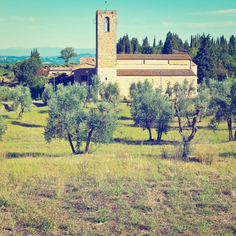 Download Церковь стоковое изображение. изображение насчитывающей трава - 41654387