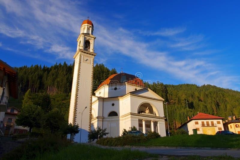 Церковь Auronzo di Cadore стоковое изображение rf