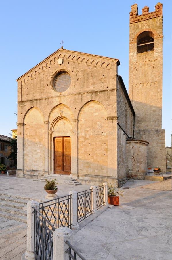 Церковь Collegiata di Sant'Agata в Asciano (Сиена) стоковая фотография rf
