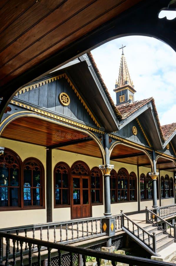 Церковь Kontum деревянная, старый собор, наследие стоковая фотография
