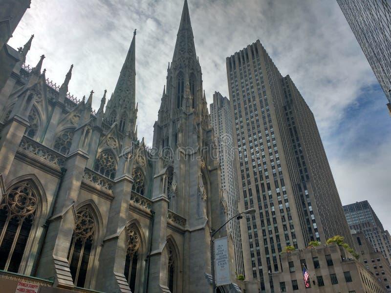 Церковь @ NYC St. Patrick стоковые фото