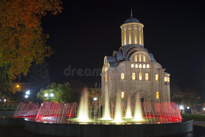 Церковь Pyatnitskaya вечером Город Chernigiv Украина стоковая фотография rf