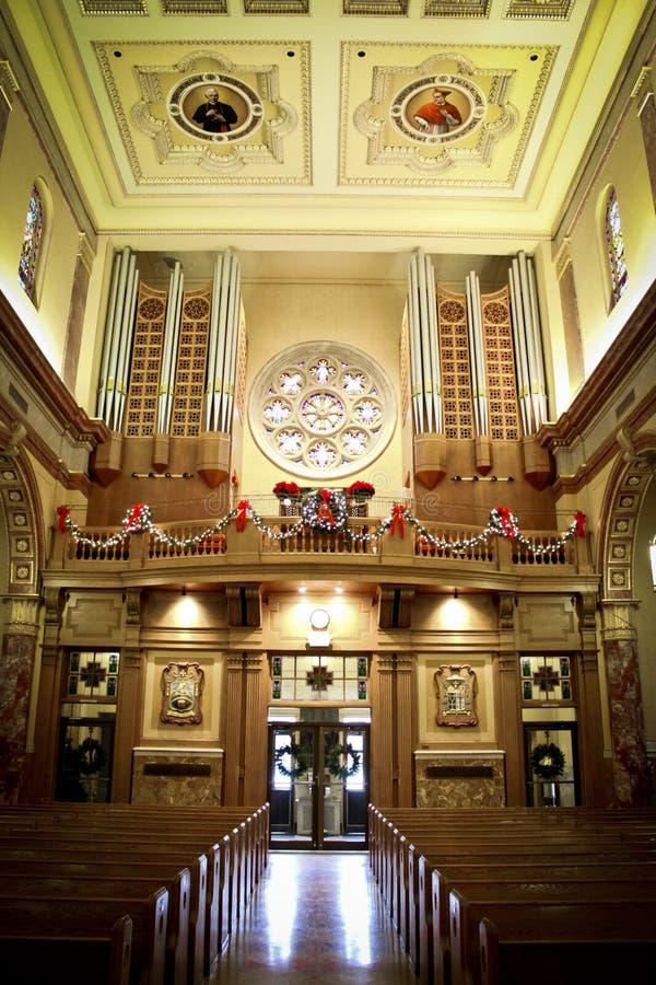 Церковь ` s St Rocco, Johnston, RI, украшенное для рождества стоковые фото
