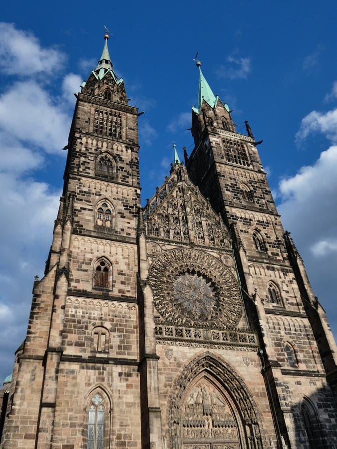 Церковь St Лоренца в Нюрнберге/Германии стоковые изображения