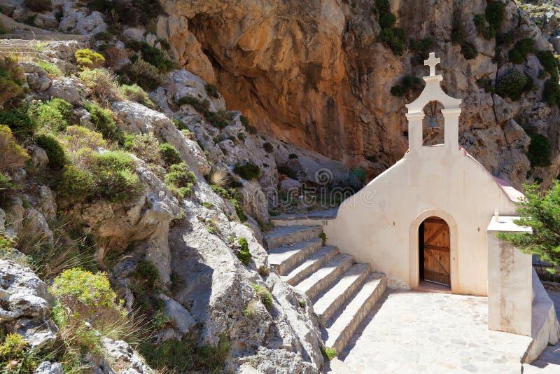 Церковь St Nicholas в ущелье Kourtaliotiko стоковые изображения