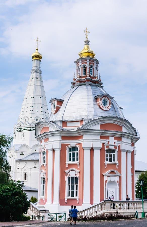 Церковь St Sergius Lavra святой троицы троица st sergius sergiev России posad скита стоковые изображения rf