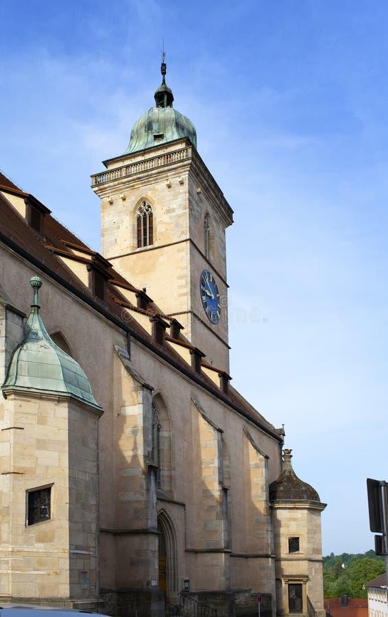 Церковь Stadtkirche Sankt Laurentius в Nuertingen, Германии стоковые фотографии rf