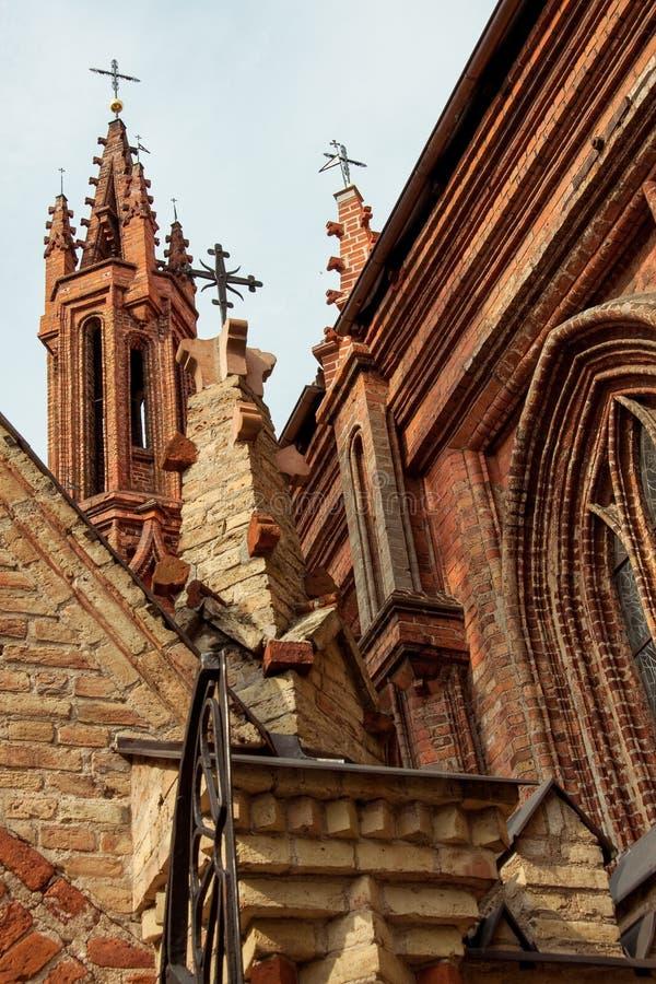 церковь vilnius Красивая готическая церковь St Anne стиля в VIl стоковая фотография